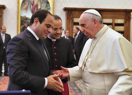 Pope Francis meets Egyptian President al-Sisi